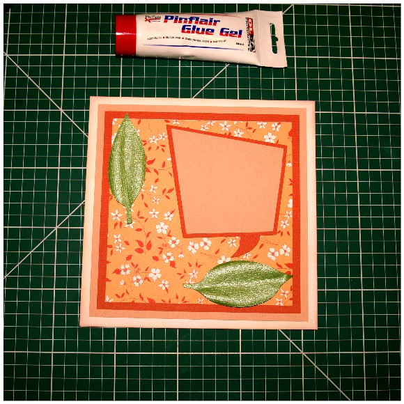Making A Floral Easel Card With The Cricut Mini - Leaves