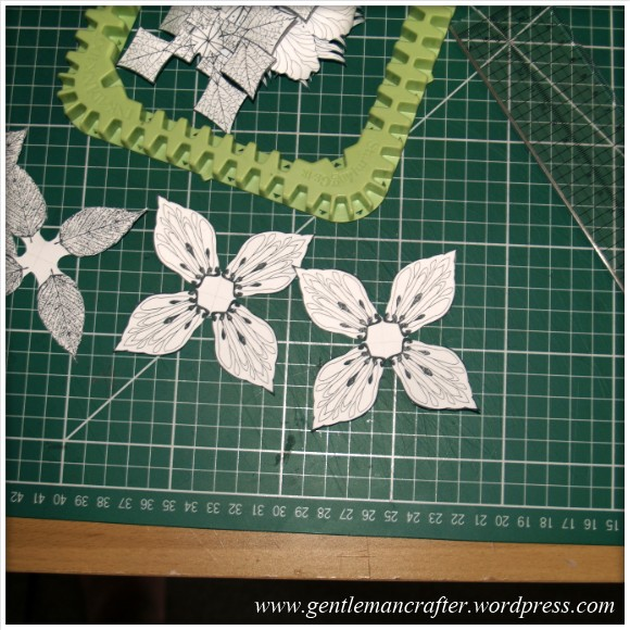 Making Dimensional Flowers with Inkadinkado Stamping Gear - (3)