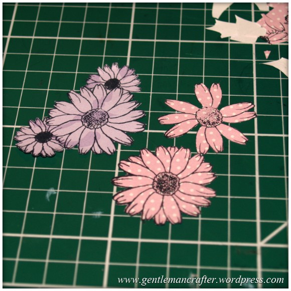 Inkadinka-Doily Card - An Inkadinkado Card - Creating The Flowers 1