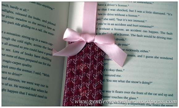 Fabric Friday - Easy To Make Bookmarks - 10