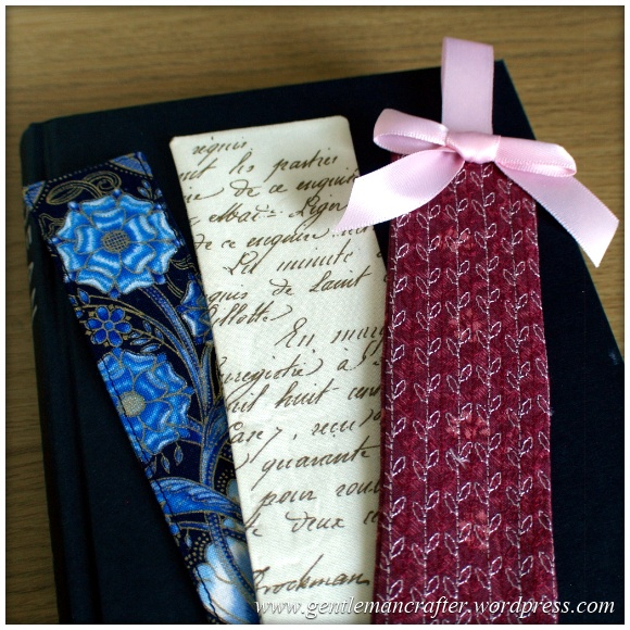 Fabric Friday - Easy To Make Bookmarks