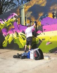 Gorgeous Grub And Gargantuan Graffiti (10)