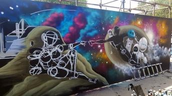 Gorgeous Grub And Gargantuan Graffiti (20)