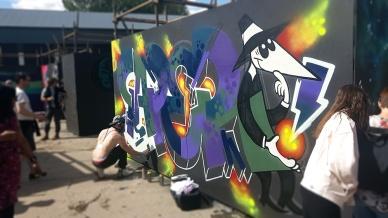 Gorgeous Grub And Gargantuan Graffiti (27)