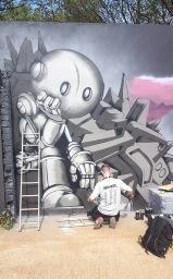 Gorgeous Grub And Gargantuan Graffiti (4)