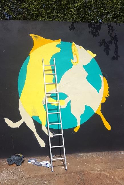 Gorgeous Grub And Gargantuan Graffiti (8)